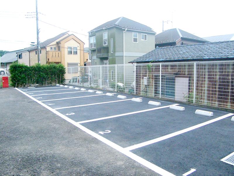 駐車場のアスファルト舗装