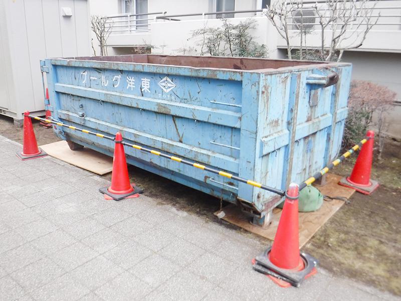 産業廃棄物置場(コンテナ)